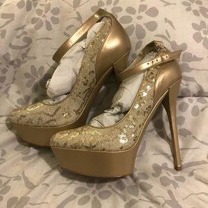"Bakers gold stilettos ST #3231 ""Tallie"" | 6.5"